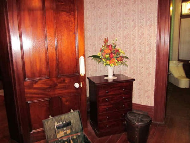 House Dressing Table
